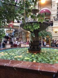 Изображение - Арбузы в фонтане ГУМа