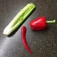 Фото - для заметки Едим салат - перец, сельдерей