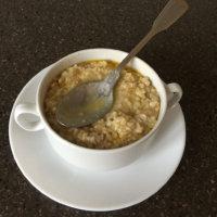 Фото - Здоровая пища наша - овсяная каша в чашке